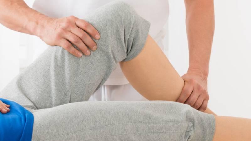 Liquido nel ginocchio: i 5 migliori antinfiammatori naturali