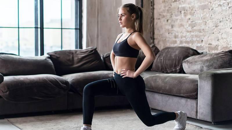 esercizi mattutini a casa per perdere peso